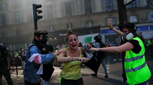 واکنش شدید دولت فرانسه به شعار «خودکشی کنید» جلیقهزردها علیه پلیس