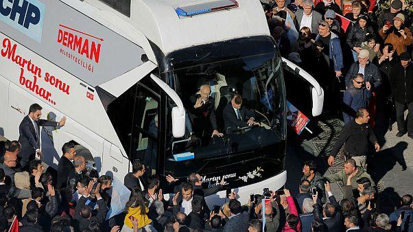 یورش مردان خشمگین به رهبر حزب مخالف اردوغان