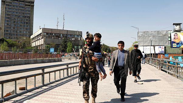 Afganistan: İletişim Bakanlığı'na saldırıyı IŞİD üstlendi