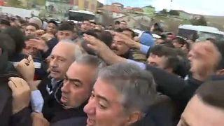 شاهد لحظة الاعتداء على زعيم حزب الشعب الجمهوري المعارض في تركيا