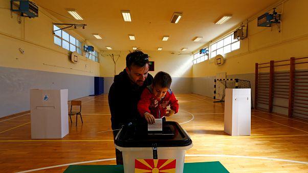 Kuzey Makedonya'da ilk sonuçlar ikinci turu işaret ediyor