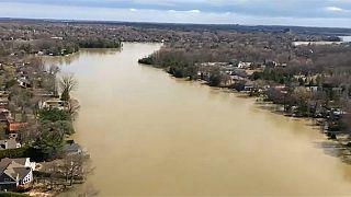 شاهد:الفيضانات تضرب كندا خلال العطلة الربيعية