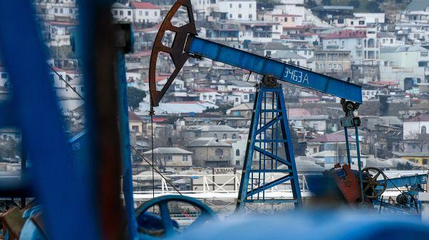 Petrolün varili 73,79 dolardan işlem görüyor