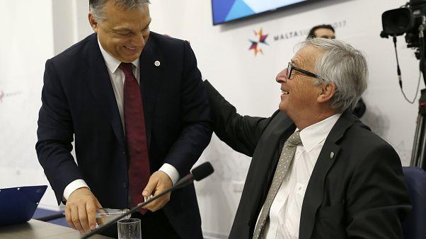 Orbánnal példálózva hirdet harcot Juncker az álhírek ellen