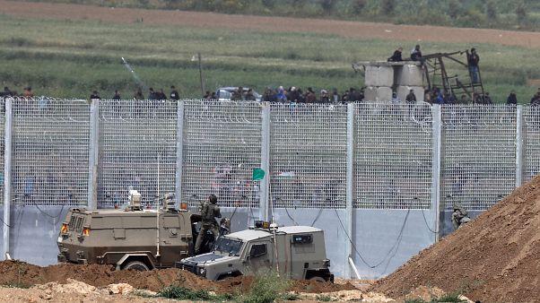 دورية مؤللة للجيش الإسرائيلي على الحدود مع قطاع غزة