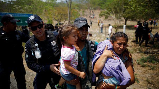 Macrorredada contra migrantes de una caravana en México