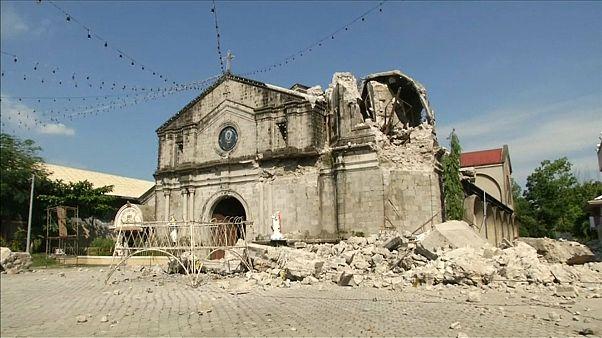 Sismo nas Filipinas faz pelo menos 11 mortos