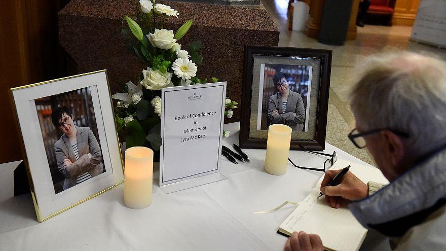 """""""Novo IRA"""" admite culpa na morte de Lyra Mckee e pede desculpa"""
