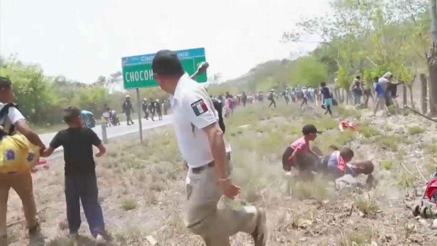 شاهد: الشرطة المكسيكية تعتقل مئات المهاجرين القادمين من أمريكا الوسطى