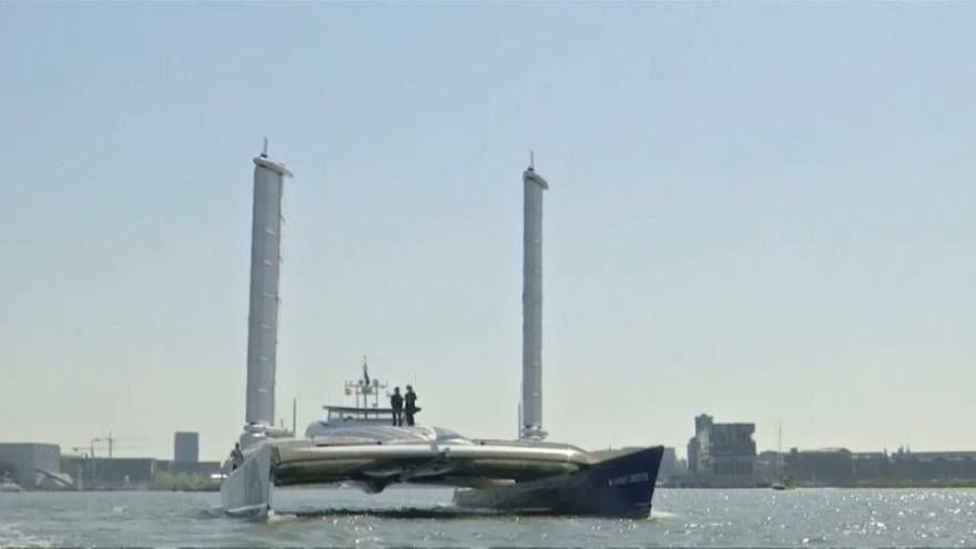 شاهد: أول قارب هيدروجيني في العالم يبحر إلى أمستردام