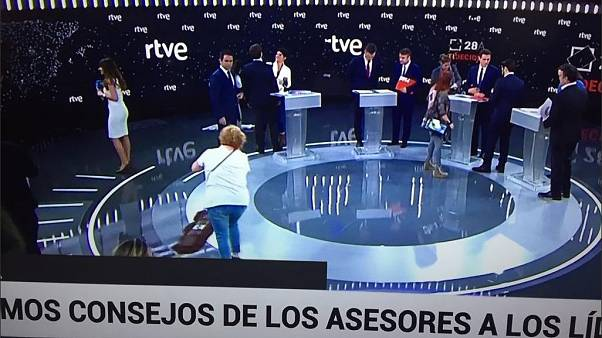 This photo of women cleaning the TV studio before election debate irks social media users | #TheCube