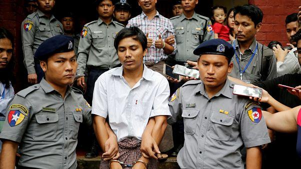 Jornalistas da Reuters permanecem na prisão no Myanmar