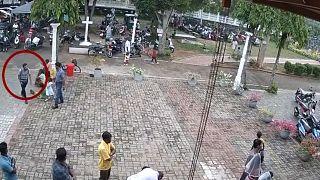 Боевики ИГ взяли ответственность за теракты на Шри-Ланке (Reuters)