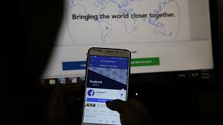 كثرة اللغات تعيق جهود فيسبوك لمحاربة المحتوى الضار