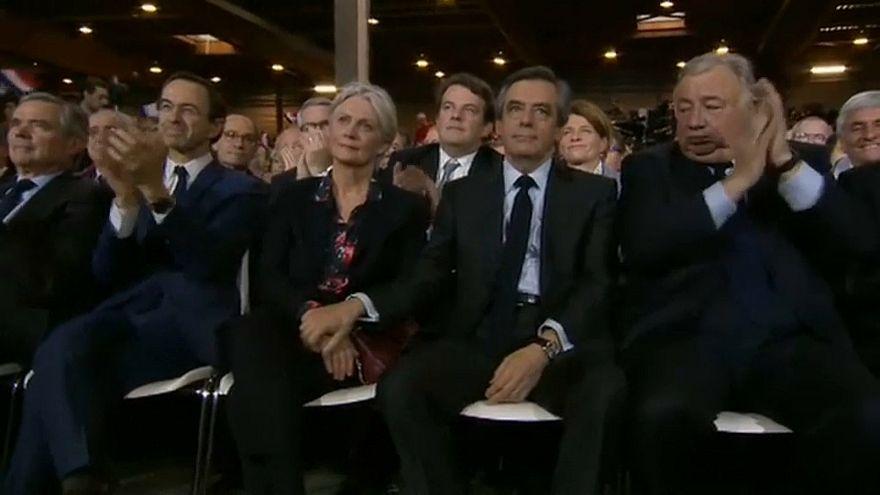 Francia, rinviati a giudizio Fillon e signora
