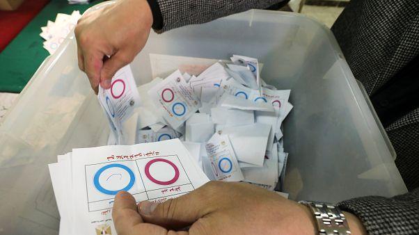 Mısır'da düşük katılımlı referandumun ilk sonuçlarına göre yüzde 88 Sisi'ye 2030'un yolunu açtı