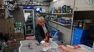 أحد متاجر بيع المشروبات الكحولية في الموصل