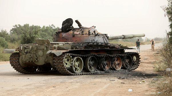 قوات الحكومة الليبية تدفع قوات حفتر للتقهقر جنوب طرابلس
