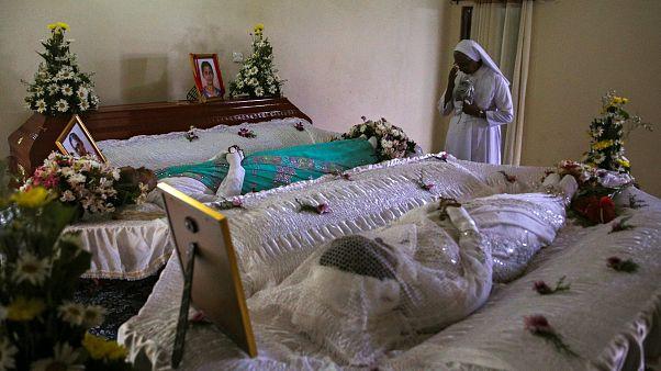 عدد القتلى في تفجيرات سريلانكا 359 بينهم 39 أجنبيا وإحدى المفجرين التسعة امرأة
