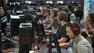 الجيش الدانماركي يعتزم تجنيد عشّاق ألعاب الفيديو ضمن صفوفه
