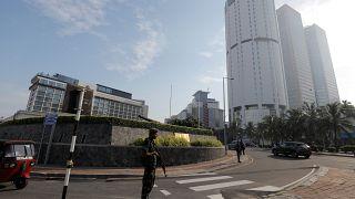 شرطة سريلانكا تنفذ تفجيرا محكوما بالقرب من سينما سافوي في كولومبو