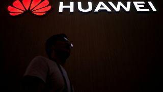 İngiltere Huawei'nin 5G şebekesine erişimini sağlamaya hazırlanıyor