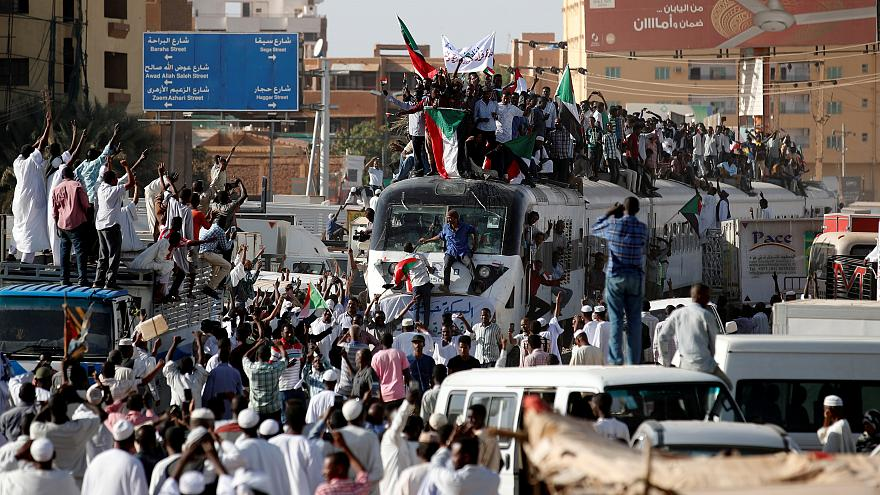 A train carrying protesters from Atbara approaches Khartoum station