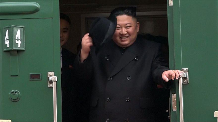 ورود کیم جونگ-اون به خاک روسیه و استقبال از او در ایستگاه پریموری