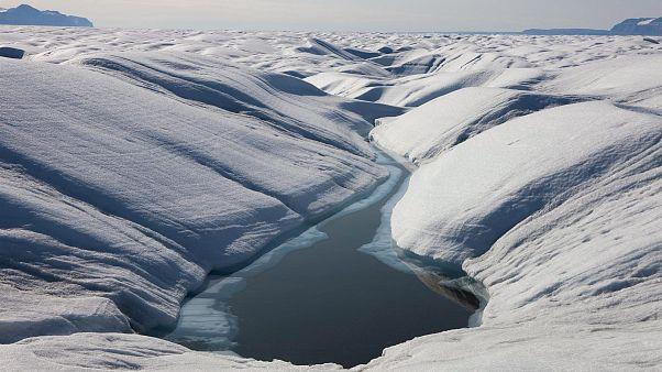 Vészesen olvad a jég Grönlandon