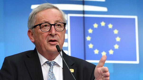 """Nem mondta Juncker, hogy """"húsvéttól visszalőnek"""""""
