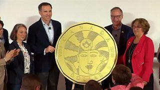 Canadá presenta una moneda conmemorativa LGBT