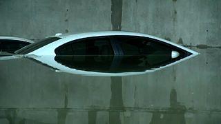 Schwere Stürme sorgen für überflutete Parkhäuser in Dallas