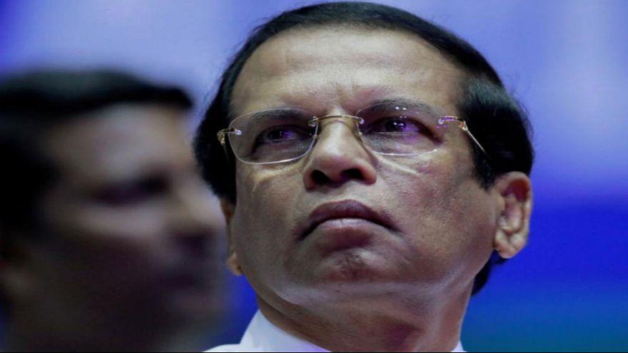 دستور رئیسجمهوری سریلانکا برای کنارهگیری رئیس پلیس و وزیر دفاع