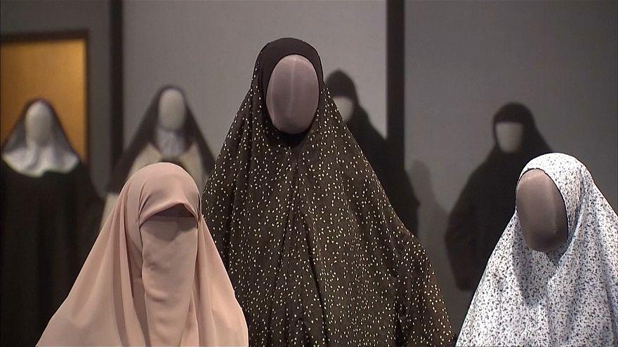 بیتالمقدس؛ نمایشگاه حجاب زنان مسلمان، یهودی و مسیحی