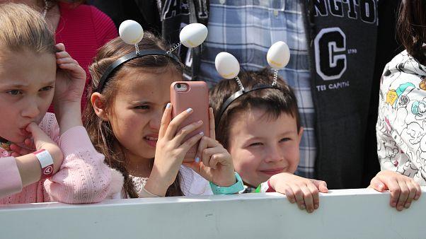 DSÖ: 5 yaşından küçükler ekran önünde günde bir saatten fazla zaman geçirmemeli