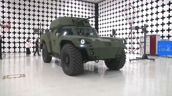 Video | Türkiye'nin ilk elektrikli zırhlı aracı Akrep II görücüye çıktı