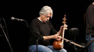 کیهان کلهر به يورونيوز: حرفم را با موسیقیام میزنم