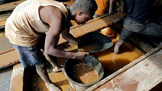 تقرير: أكثر من 40 مليون شخص حول العالم يعملون في مناجم بدائية ثلثهم من النساء