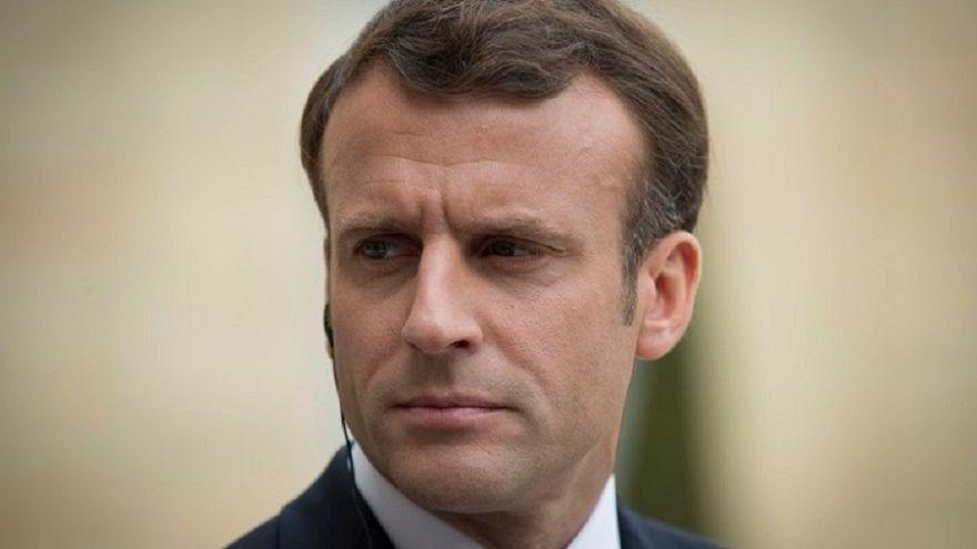 Θύμα δύο Ρώσων φαρσέρ έπεσε ο πρόεδρος της Γαλλίας Εμανουέλ Μακρόν