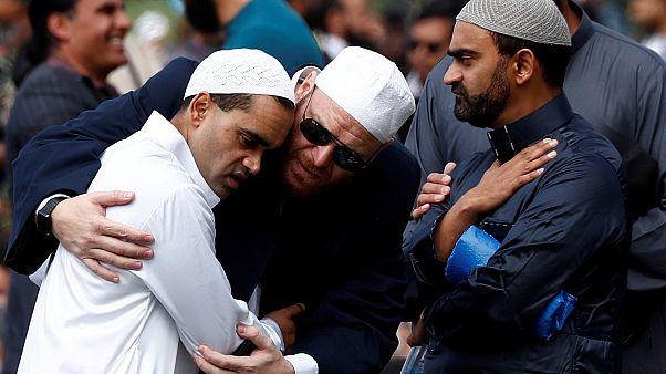 Yeni Zelanda terör mağdurlarının yakınlarına oturum hakkı verecek