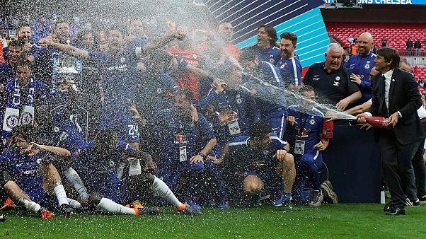 İngiltere FA Kupası finalinde şampanyalı kutlama kaldırılıyor, gerekçe dini hassasiyet ve gençler