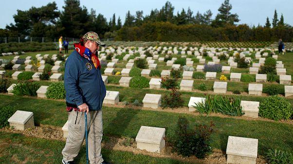 Video: Anzak Günü'nde Yeni Zelanda ve Avustralyalılar Gelibolu'da hayatını kaybeden askerlerini andı