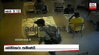 """شاهد: أحد الانتحاريين """"يتردد"""" قبيل تفجير نفسه داخل فندق في سريلانكا"""