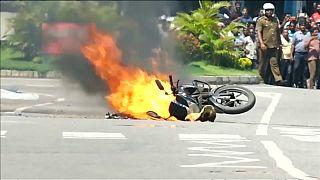 شاهد: لحظة انفجار دراجة مفخخة في عاصمة سريلانكا