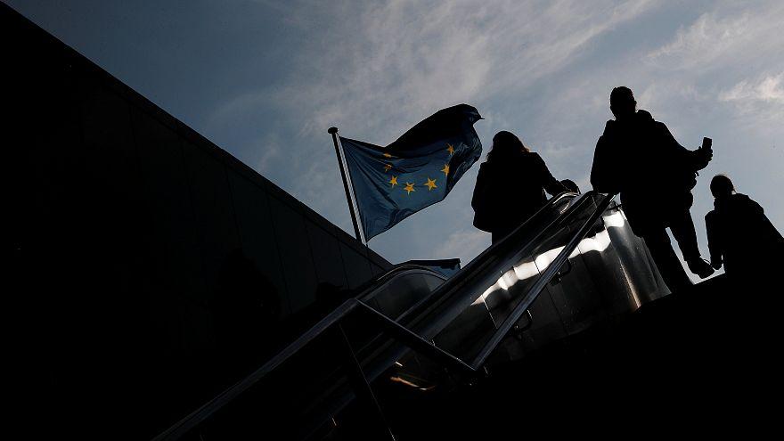 Europeus com sentimentos positivos em relação à UE