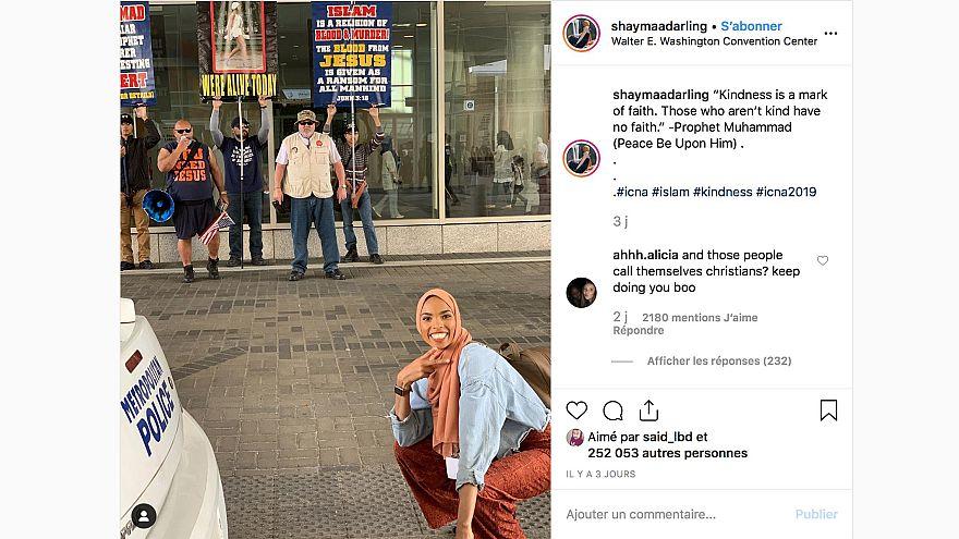 ABD'de İslam karşıtları önünde selfie çeken Müslüman kızın fotoğrafı viral oldu