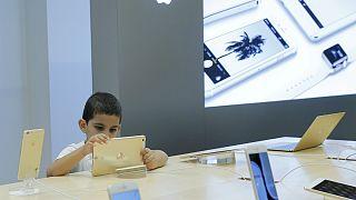 سازمان جهانی بهداشت: زیان صفحه نمایش برای سلامت کودکان جدی است