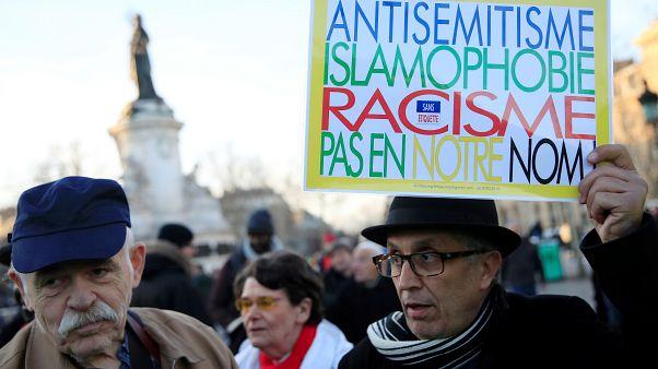 Javul az elfogadás, de durvul a rasszizmus Franciaországban