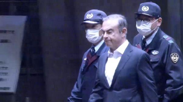 Carlos Ghosn queda en libertad bajo fianza