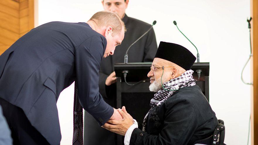 شاهد: الأمير وليام يزور مسجد النور في كرايستتشيرش ويلتقي ناجين من الهجمات